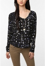 Zoe's black and white blouse from Hart of Dixie at Urban Outfitters