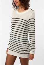 Striped sweater like Serena's at Urban Outfitters