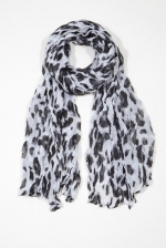 Leopard scarf like Serenas at Chictweak