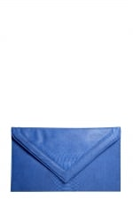 Blue oversized clutch like Serenas at Boohoo