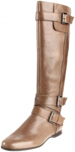 Rachel's boots at Amazon