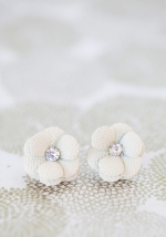 White flower earrings at Ruche