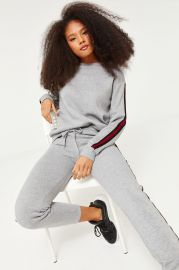Basic Oversized Contrasting Sweatshirt at Ardene