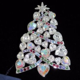 Christmas tree brooch at Swarovski
