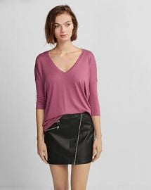 Express One Eleven V-Neck London Tee at Express
