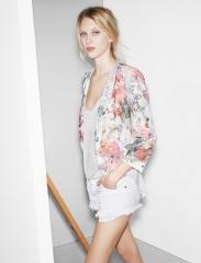 Floral blazer at zara at Zara