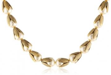 Lenora Dame Pearl Retro Necklace at Amazon