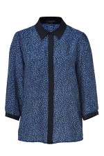 Lilys blue top by Rachel Zoe on HIMYM at Stylebop