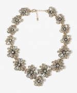 Magnolia's flower necklace at Forever 21