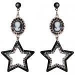 Mindy's star earrings at Tarina Tarantino