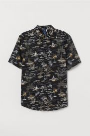 Patterned Cotton Shirt in Black/Sharks at H&M