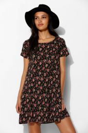 Pins and Needles Short Sleeve Shift Dress at Urban Outfitters