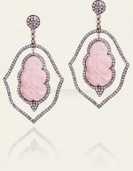 Serenas pink earrings on Gossip Girl at Danielle Queller