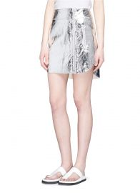 Sil­ver Foil Zip­pered Skirt by Alexan­der Mc­Queen at Lane Crawford