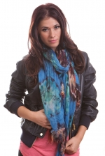 Similar blue scarf at Chictweak