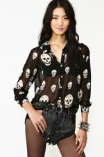 Skull shirt in black at Nasty Gal at Nasty Gal