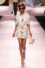 Spring 2019 Ready to Wear by Dolce  Gabbana at Vogue