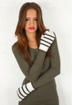 Striped gloves like Tinas at Singer 22