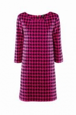 Tina's pink and black houndstooth dress at H&m