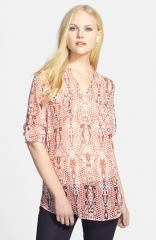 Two by Vince Camuto Print Split Neck Blouse at Nordstrom