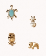 Vintage style brooches at Forever 21 at Forever 21
