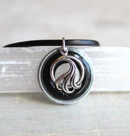 Wave necklace in black and silver at Nature with You