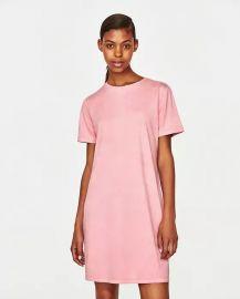 671ee396eb WornOnTV: Carissa's pink t-shirt dress and blue boots on E! News ...