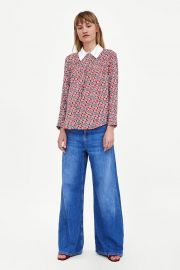 top with contrasting collar at Zara